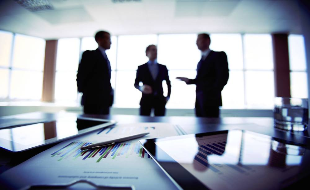 Pause for thought: 7 tips for stepping up governance under financial stress